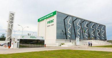 FIESC revela que em março indústria de SC criou 10,6 mil vagas