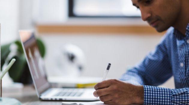 Confira os concursos e processos seletivos abertos em Santa Catarina.SENAI abre vagas para cursos grátis à distância. SENAI amplia ofertas para cursos de ensino a distância.