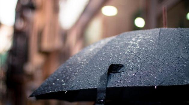 Temperaturas amenas e chuva vão marcar o fim de outubro.