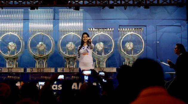 Quatros bilhetes de Santa Catarina são premiados na Lotofácil.