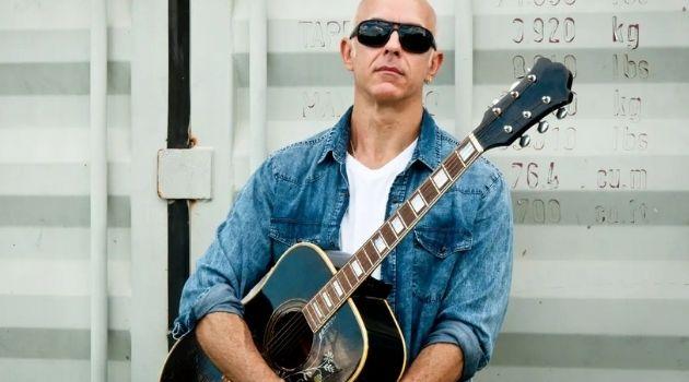 Músico Catarinense Robson Dias lança album autoral.