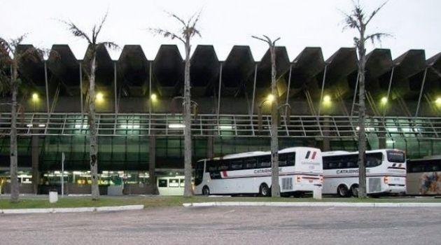 Saída dos ônibus da rodoviária tem protocolo redefinido em Florianópolis.