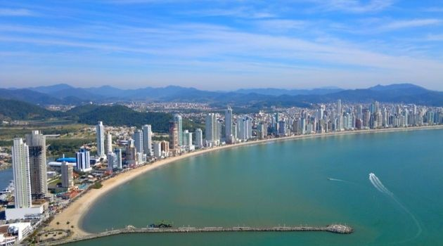Semana inicia com sol e temperaturas amenas em Santa Catarina.