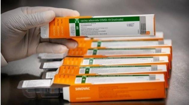 PROCON alerta consumidores sobre venda falsa de vacinas contra COVID-19.