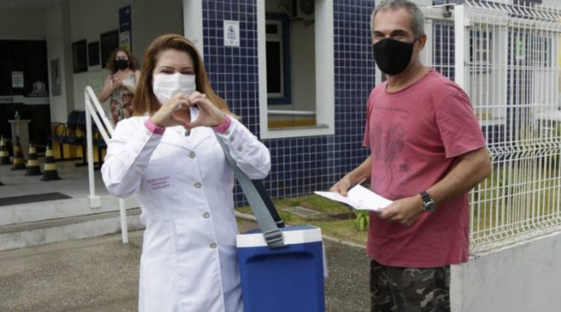 Profissionais dos centros de saúde começam a ser vacinados hoje.